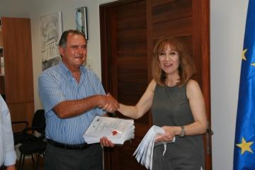 Υπογραφή της σύμβασης για το έργο -Ανάπλαση Παραδοσιακού πυρήνα της Κοινότητας Απεσιάς